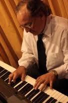 ESCUELA DE PIANO MONCHO ROMERO